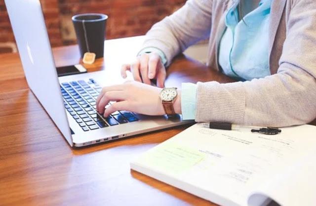 Tiga Sebab Anda Perlu Menulis Produk Maklumat Anda Sendiri