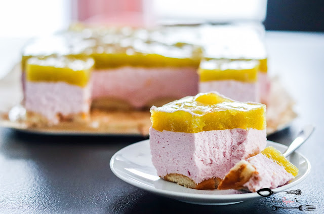 ciasta i desery, ciasto bez pieczenia, sernik na zimno, sernik z twarogu, sernik z musem owocowym, sernik z brzorskwiniami, sernik na biszkoptach