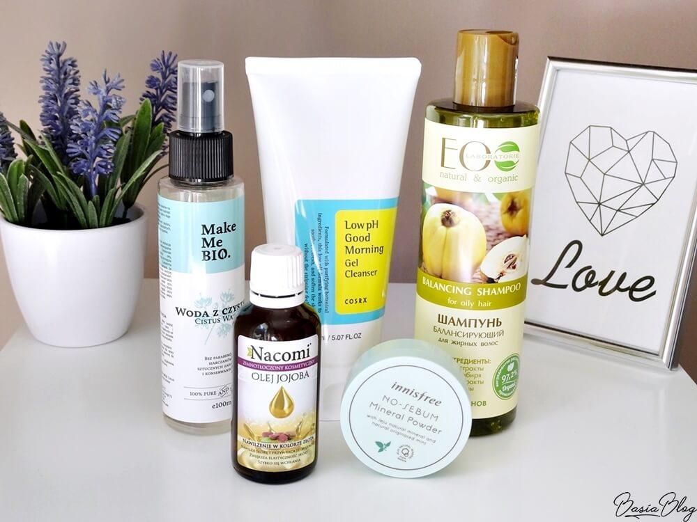 COSRH Low pH Good Morning Gel Cleanser, Nacomi olej jojoba, Ecolab szampon normalizujący do włosów przetłuszczających się, Make Me Bio woda z czystka, Puder Innisfree No-Sebum Powder,