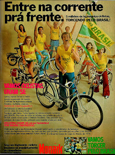 propaganda bicicleta Monark - copa 1974. brazilian advertising cars in the 70. os anos 70. história da década de 70; Brazil in the 70s; propaganda carros anos 70; Oswaldo Hernandez;