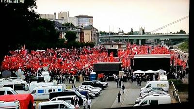 http://www.rp-online.de/politik/deutschland/koeln-warum-gibt-es-eigentlich-keine-demo-der-erdogan-kritiker-aid-1.6153136