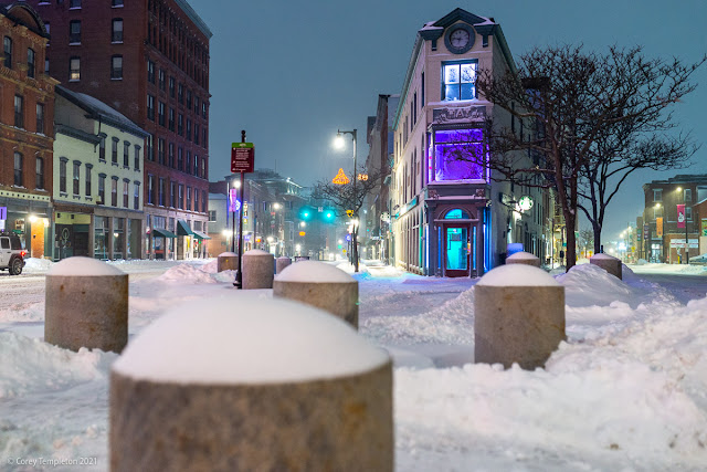 Portland, Maine USA Photo by Corey Templeton. January 2021. The beginnings of a snowy day in Congress Square.