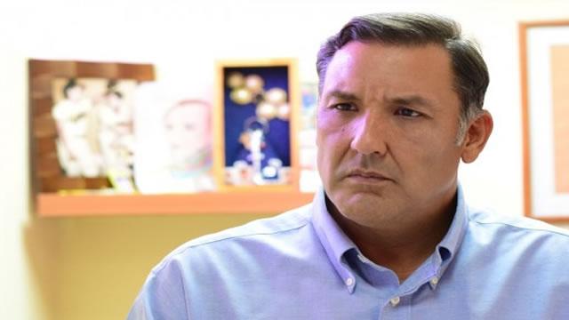 Pablo Pérez: Manchados de sangre y fraude