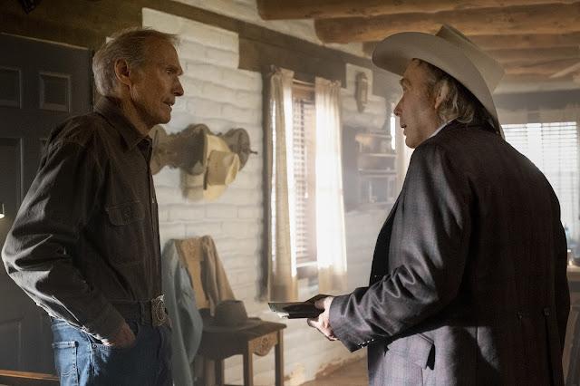 Escena con Mike Milo (Clint Eastwood) y Howard (Dwight Yoakam).