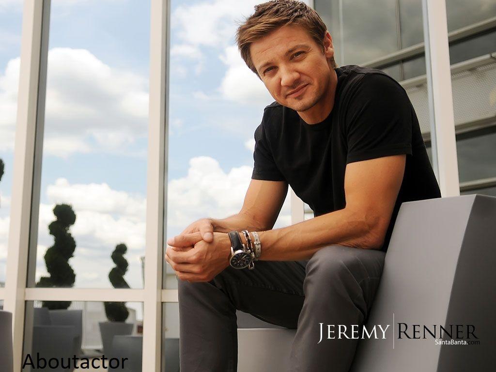 Jeremy Renner Smile