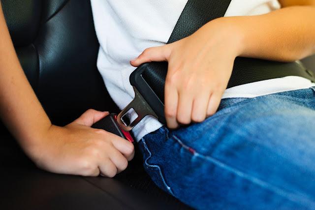 Fitur Keselamatan Mobil yang Harus Ada Menurut Rental Mobil Al-Hikmah