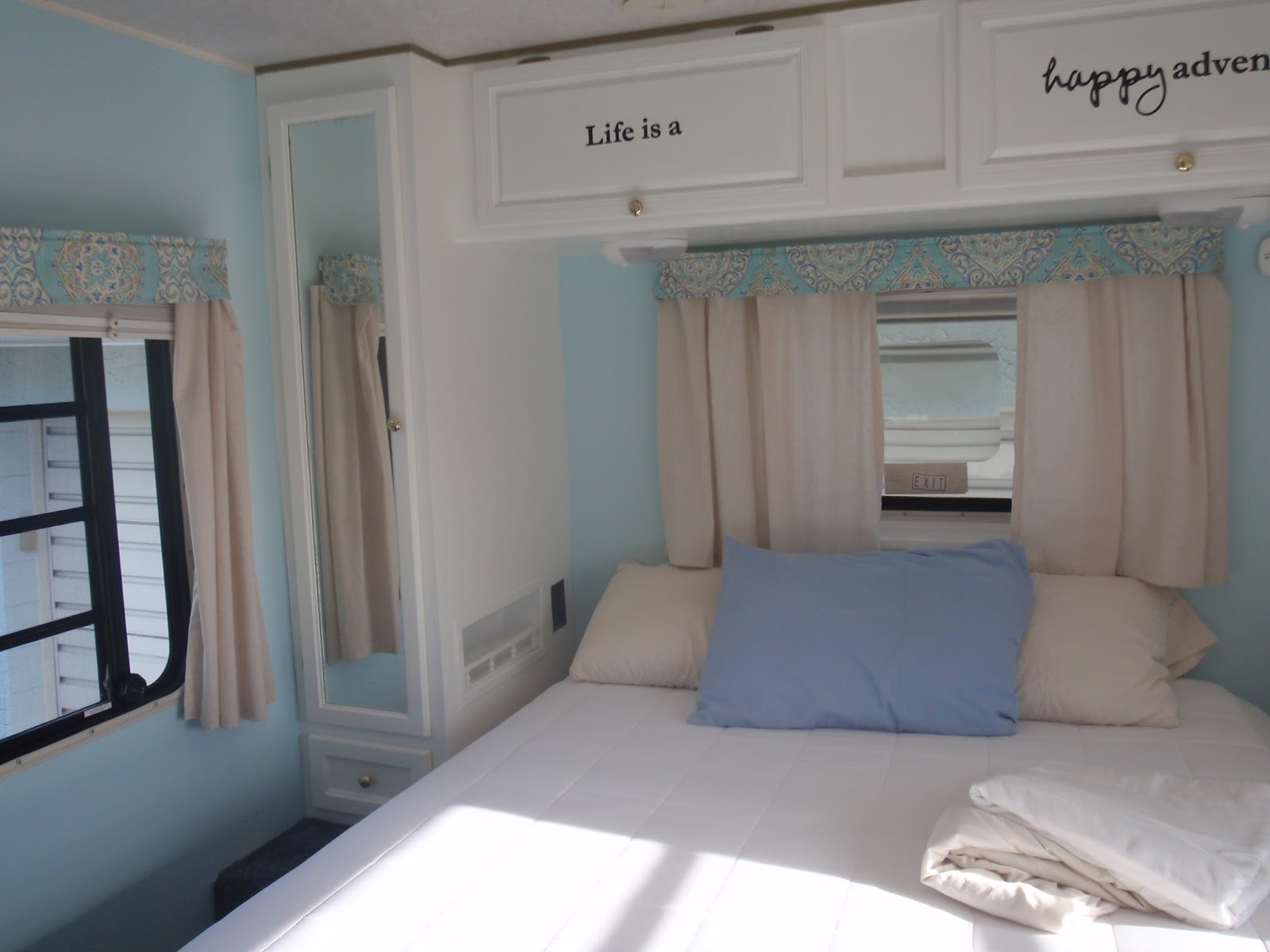 Sons Bedroom Love His Green Glow Goes Well With The: Bluebirds Nest: Painting RV Cabinets And Walls