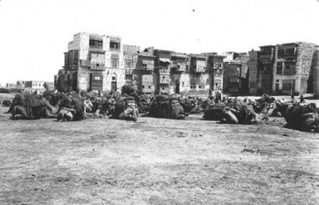 ساحة الشريف حسين في ينبع 1917م