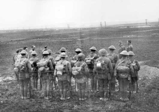 roads to the great war defending amiens 24 26 april 1918. Black Bedroom Furniture Sets. Home Design Ideas