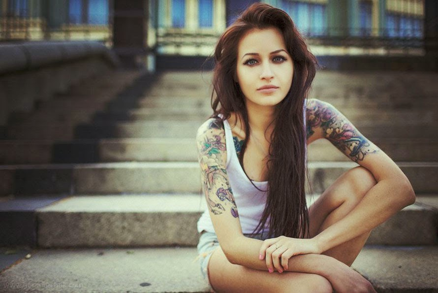 Cool Tattoo Girl Wallpaper