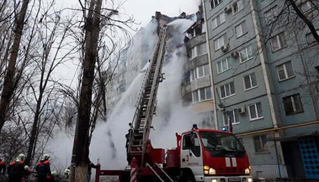 Three dead, 79 missing as gas explosion rocks  12-storey building  in Russia
