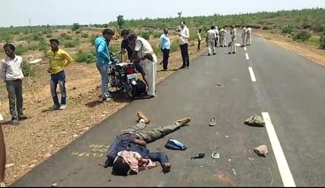 बाइकों की भिड़ंत में दो युवकों की दर्दनाक मौत, दो गंभीर.. हेलमेट पहने होते बच सकती थी जान.. पन्ना कटनी मार्ग पर  हादसे के बाद शाहनगर थाना पुलिस जांच में जुटी..