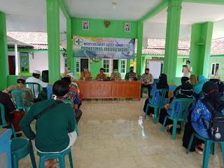 Babinsa Koramil 0820/16 Paiton  Aktif Jaga Komunikasi  Dengan Warga Desa Binaannya