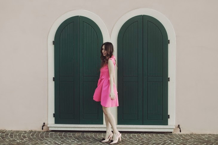 Think Pink Barbie Girl Moschino Persunmall Fuchsia Pink Scuba Dress Melissa by Vivienne Westwood Heart Shoes Roberta Breda Photos Francesca Margariti thesparklingcinnamon