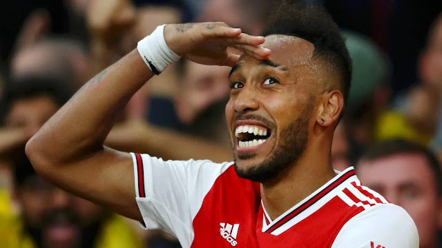 EPL: Aubameyang wins Premier League award