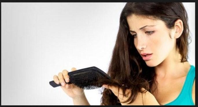 Atasi Rambut Rontok Dengan Perawatan Rambut Alami
