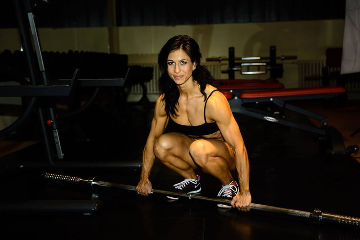 Flexible female bodybuilding and fitness motivation