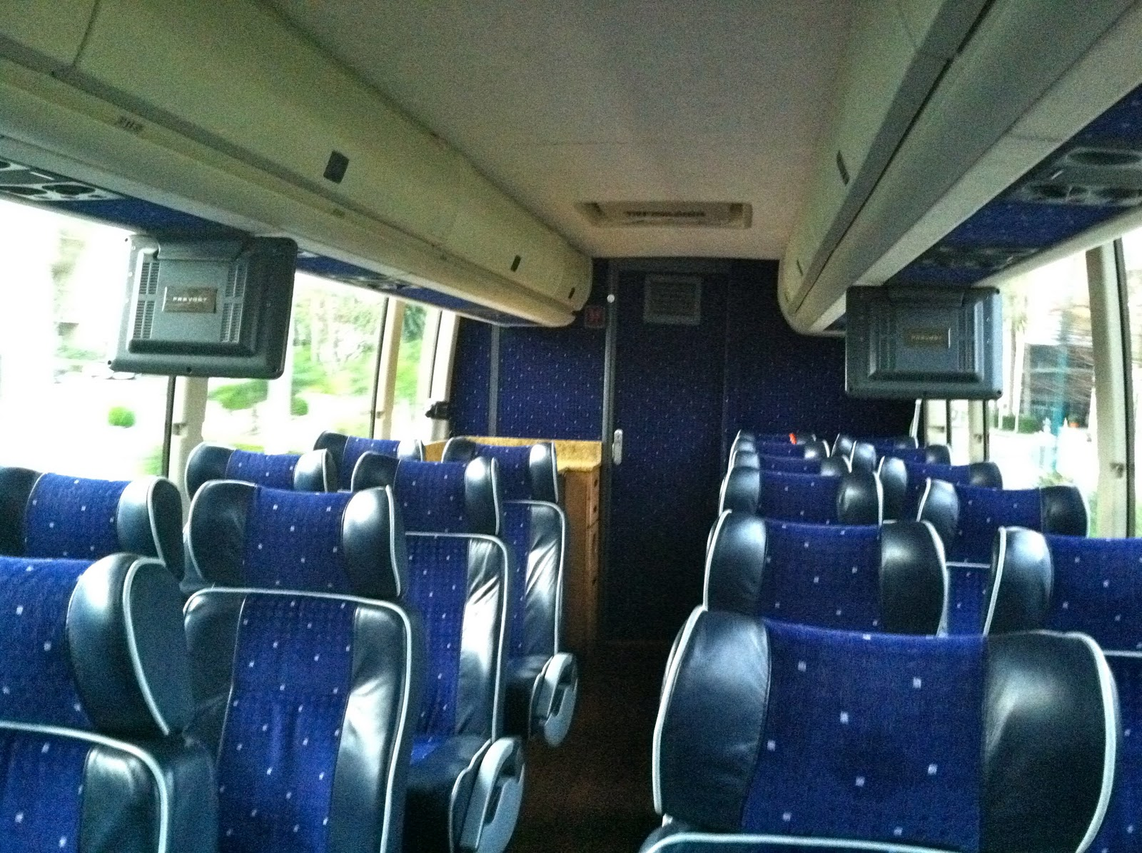 Lux Bus America Anaheim To Las Vegas In Style The World Of Deej