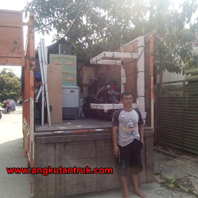 Sewa Truk Surabaya Jogja Solo