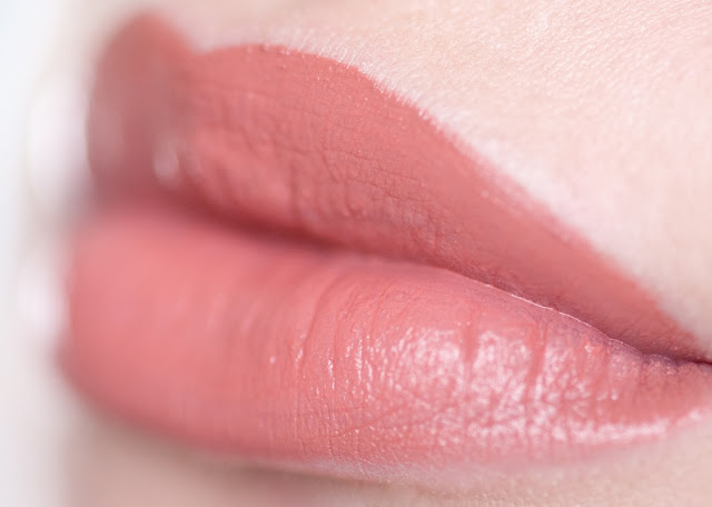 "Maybelline Vivid Matte Liquid ""Nude Thrill"" 50 свотчи"