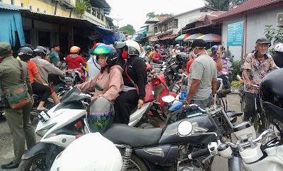 Pasar Pagi Putussibau Macet