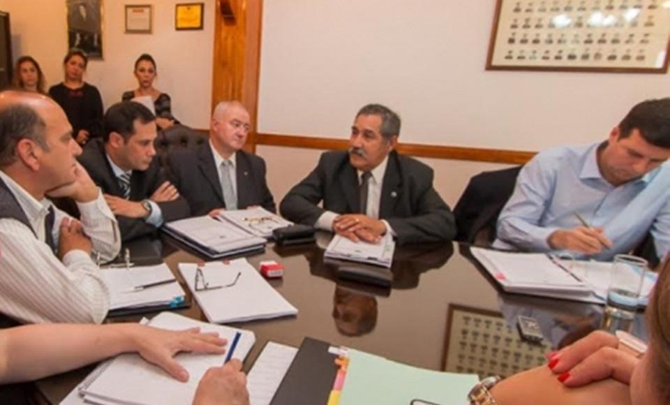 Avanza modificacion ley de retiros Policias