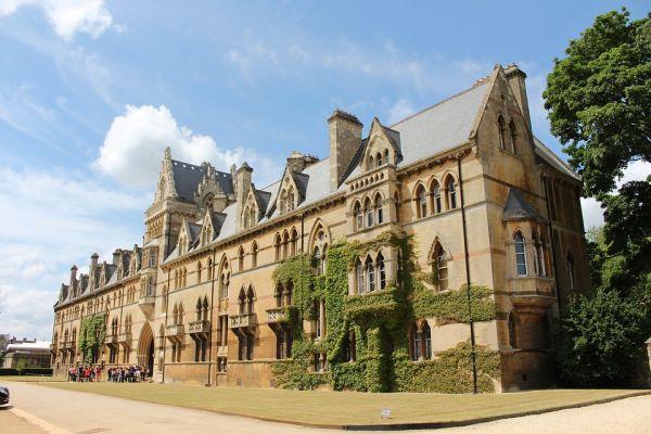 ऑक्सफ़ोर्ड यूनिवर्सिटी के बारे में मजेदार तथ्य   10 Interesting Facts about Oxford University in Hindi
