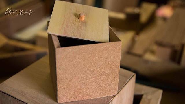 caja-pequeña-hecha-de-madera