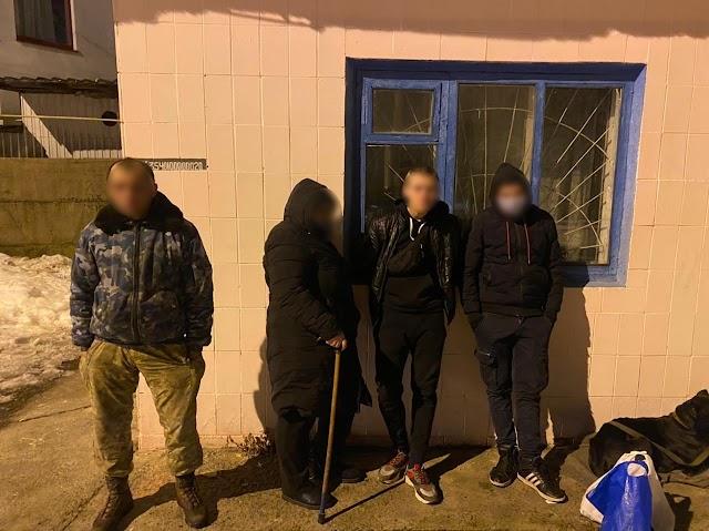 У Фастові група молодиків пограбувала чоловіка