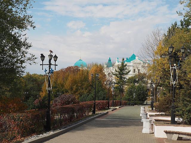 Хабаровск - парк на набережной (Khabarovsk - a park on the embankment)