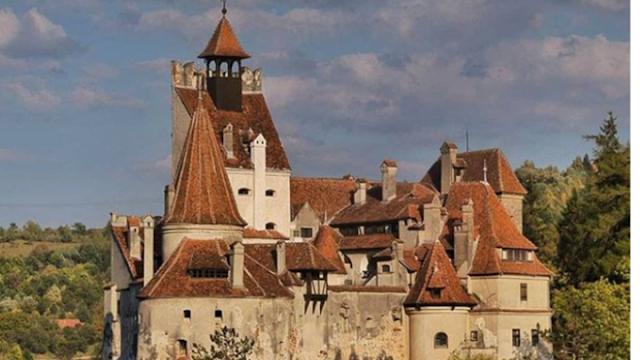 Εμβολιαστικό κέντρο το κάστρο του κόμη Δράκουλα στην Τρανσυλβανία
