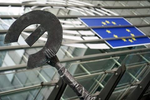 Enyhén javult a befektetői hangulat az euróövezetben