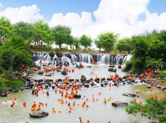 Du lịch sinh thái Thác Giang Điền là địa điểm nhiều người lựa chọn cho những ngày cuối tuần (Ảnh sưu tầm)