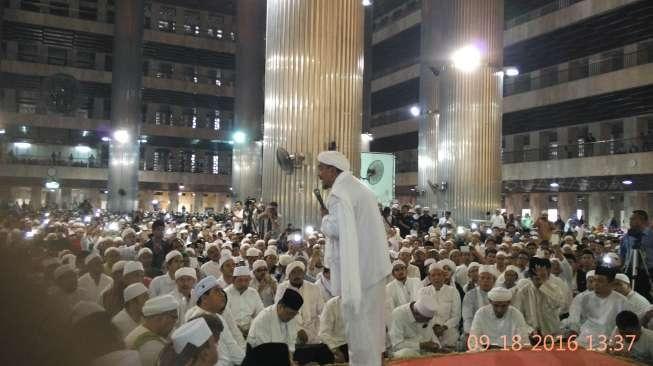 Apa Keuntungan Politisi atau Partai Kalau Merangkul Rizieq Shihab?