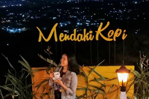 lokasi dan harga menu Mendaki Kopi Café Bogor, mendaki kopi cafe Bogor, mendaki kopi cafe cijeruk bogor jawa barat, mendaki kopi cafe gunung salak, alamat mendaki kopi cafe, mendaki kopi gunung salak, menu mendaki kopi cafe cijeruk bogor jawa barat, harga mendaki kopi, mendaki kopi gunung salak bogor 2020, tiket mendaki kopi 2020, mendaki kopi gunung salak 2020, mendaki kopi gunung salak bogor 2020, mendaki kopi cafe cijeruk bogor jawa barat 2020, harga mendaki kopi 2020, menu mendaki kopi, tiket mendaki kopi, alamat mendaki kopi 2020, menu mendaki kopi cafe cijeruk bogor jawa barat 2020