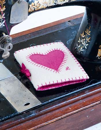 http://www.allaboutyou.com/craft/pattern-finder/sewing-projects/sewing-for-the-home/sew-a-heart-needle-case-Jan-Constantine-pattern#no