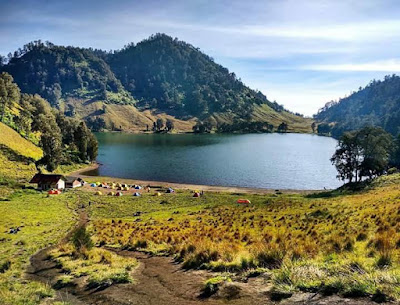 New Rule for Camping on Kumbolo Lake under Mount Semeru