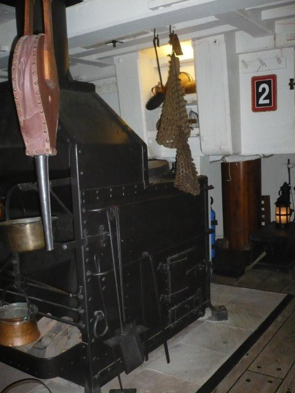 Margaret Muir : Cooking on wooden sailing ships in the 1700s and 1800s