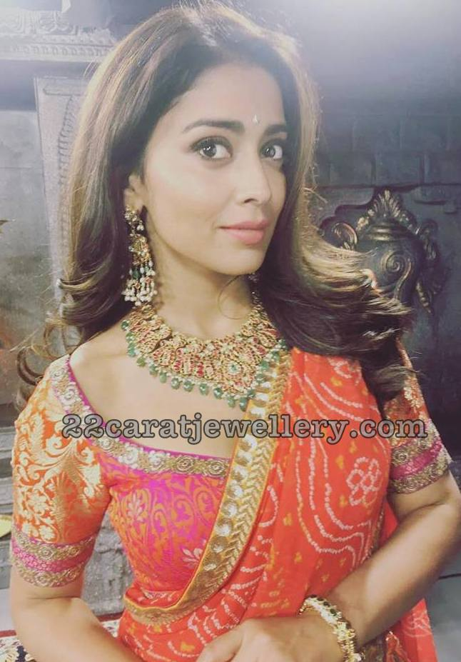 Shriya Saran in Heavy Kundan Choker