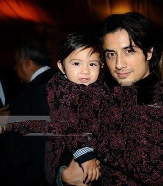 Ali Zafar with his son Azaan
