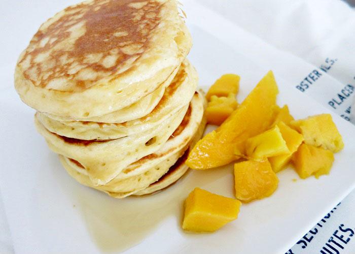 Greek Yogurt Pancakes [Pancakes mit griechischem Joghurt]
