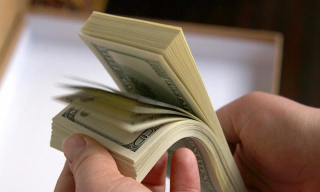 Apakah Bijak Mengutang Rp10 juta untuk Liburan