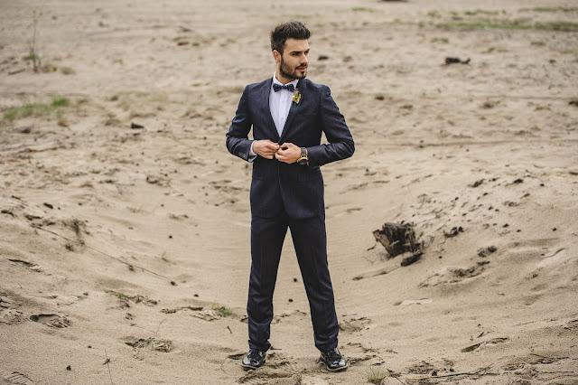 Stalowy, elegancki garnitur ślubny
