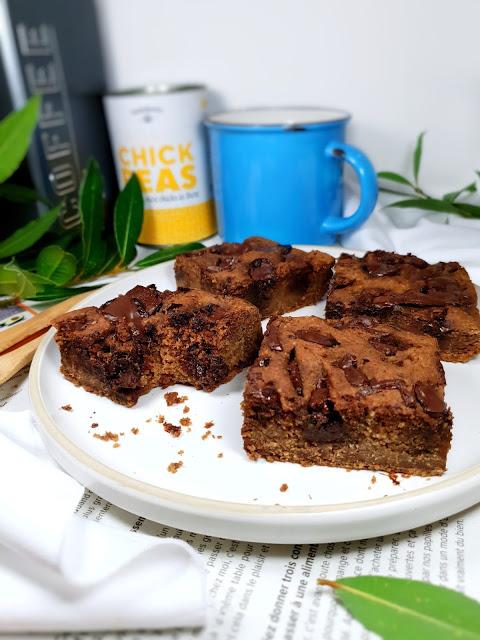 BROWNIE BLOND AUX POIS CHICHES-sans gluten-vegan