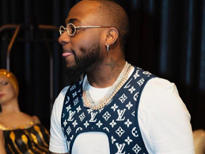 WL NEWS: Davido Expresses Dissapointment At Wizkid Fans For Saying His Mom Got Used For Money Rituals By His Dad
