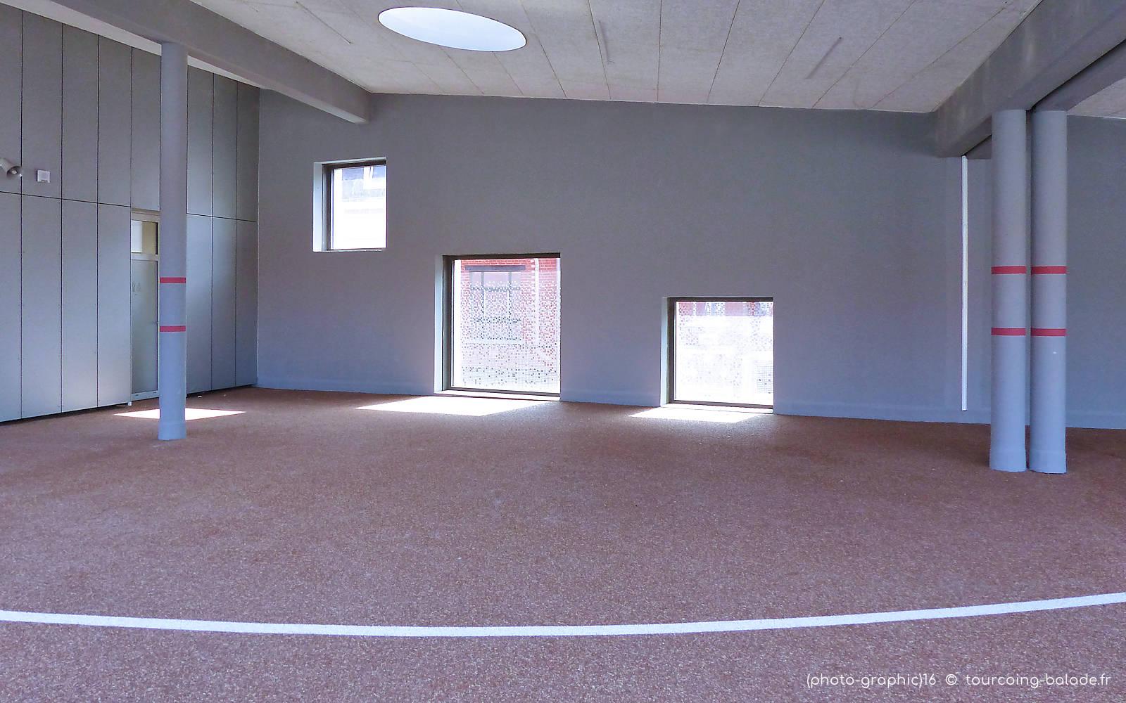 École Charles de Gaulle - Préau 1er étage