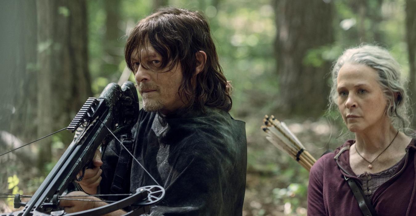 Daryl y Carol, en el episodio 10x01 de The Walking Dead