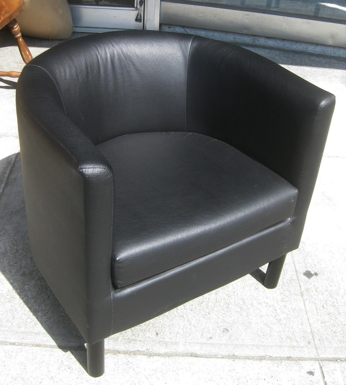UHURU FURNITURE & COLLECTIBLES: SOLD - Ikea Leather Chair ...