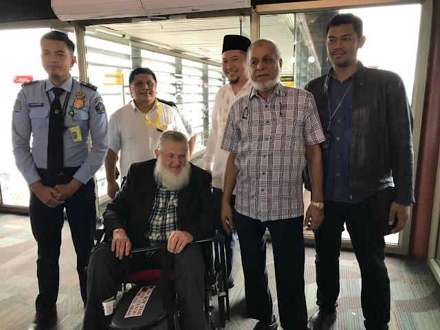 Tiba di Indonesia, Syaikh Yusuf Estes Merasa Diperlakukan seperti Keluarga Kerajaan