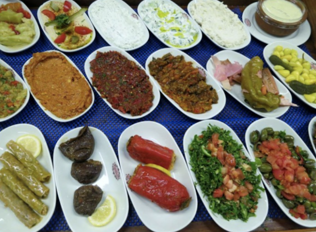 Types of traditional meze platters